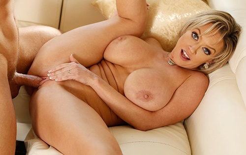 Dee Williams - Dee Lets Them Loose For Fun [New Sensations] - October 31, 2020