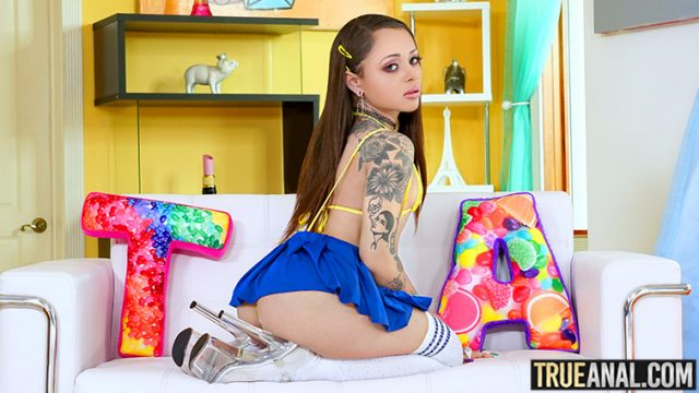 Holly Hendrix - Stretching Holly's Backdoor [True Anal] - March 12, 2021