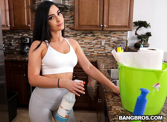 Jasmine Vega - Hot Maid Jasmine [My Dirty Maid / Bang Bros] - September 12, 2021