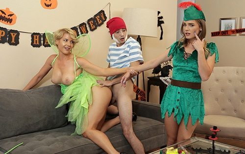 Kit Mercer, Natalie Knight - What Happened With My Stepmom On Halloween [Moms Teach Sex / Nubiles Porn] - October 23, 2020