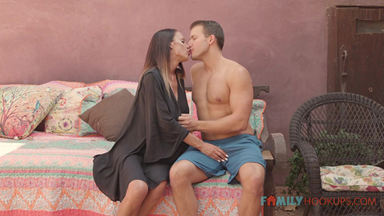Mckenzie Lee - McKenzee Lee and her massive tits fuck her hot stepson while in quarantine [Family Hookups] - January 1, 2021