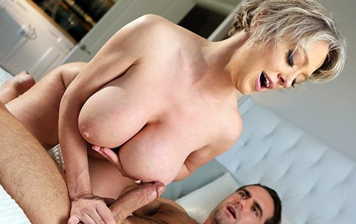Dee Williams - Step Mom Dee Loves A Hot Mess [New Sensations] - March 31, 2020