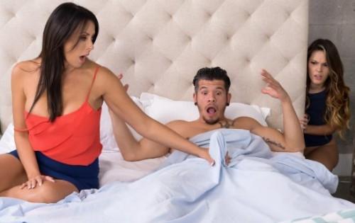 Reagan Foxx, Rayna Rose - Stepmom Meets The Slut [Moms Bang Teens / Reality Kings] - September 22, 2020