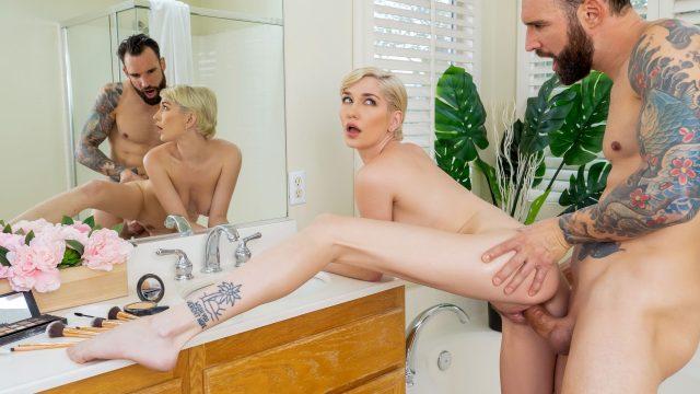 Skye Blue - Pervert In The Bathroom [RK Prime / Reality Kings] - February 26, 2021