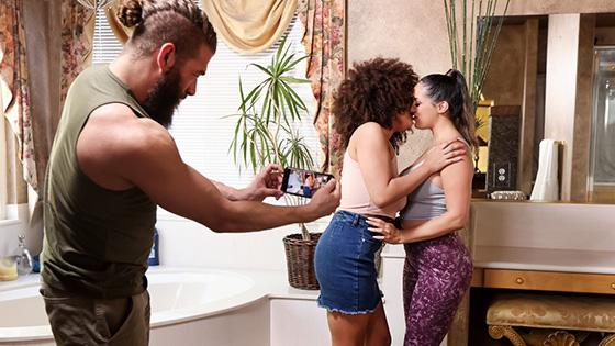 Sofi Ryan, Nina Diaz - Jog By Threesome Pick Up [Brazzers Exxtra / Brazzers] - July 18, 2021
