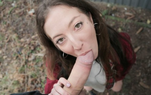 Venom Evil - Punk babe fucked in public [Public Agent] - June 22, 2020