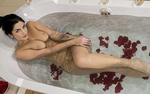Loren Minardi - Bath Bomb [Babes] - July 9, 2020