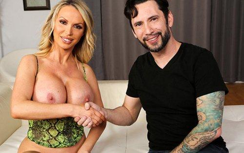 Nikki Benz - Porn Veterans Unite [Big Tits Round Asses / Bang Bros] - April 3, 2020